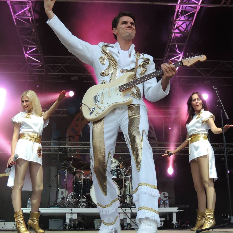 Dancing Queen Tributo a Abba 4