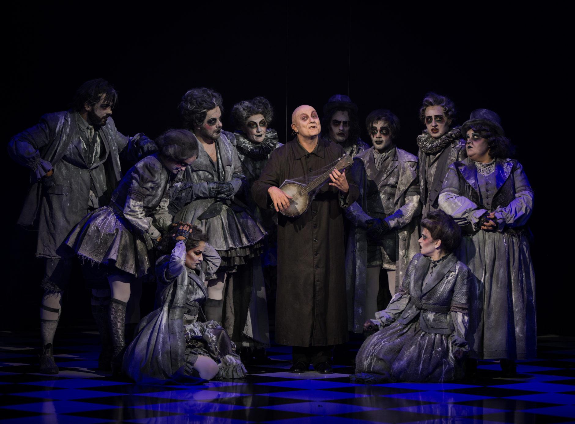La Familia Addams, una comedia musical 6