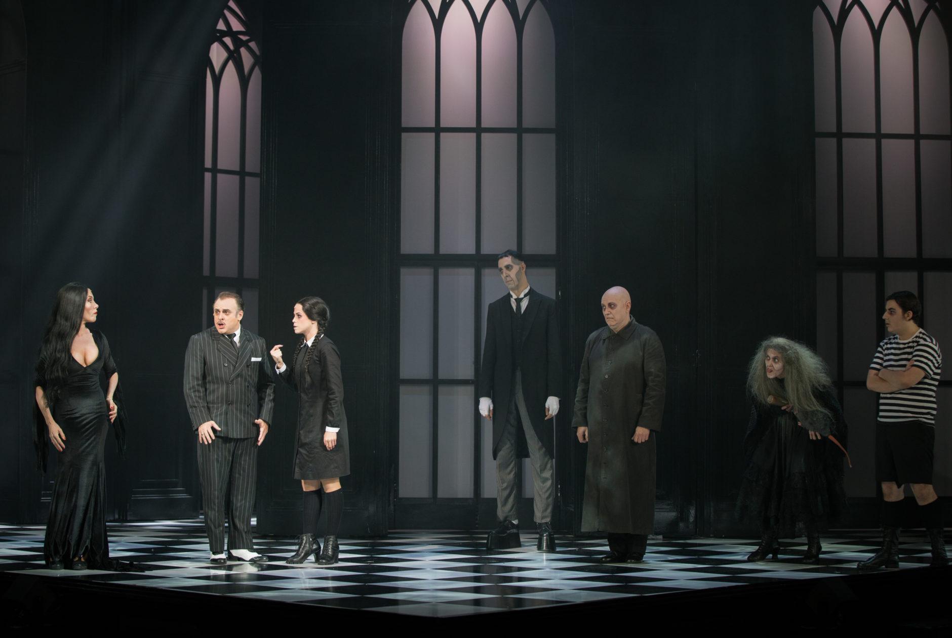 La Familia Addams, una comedia musical 7