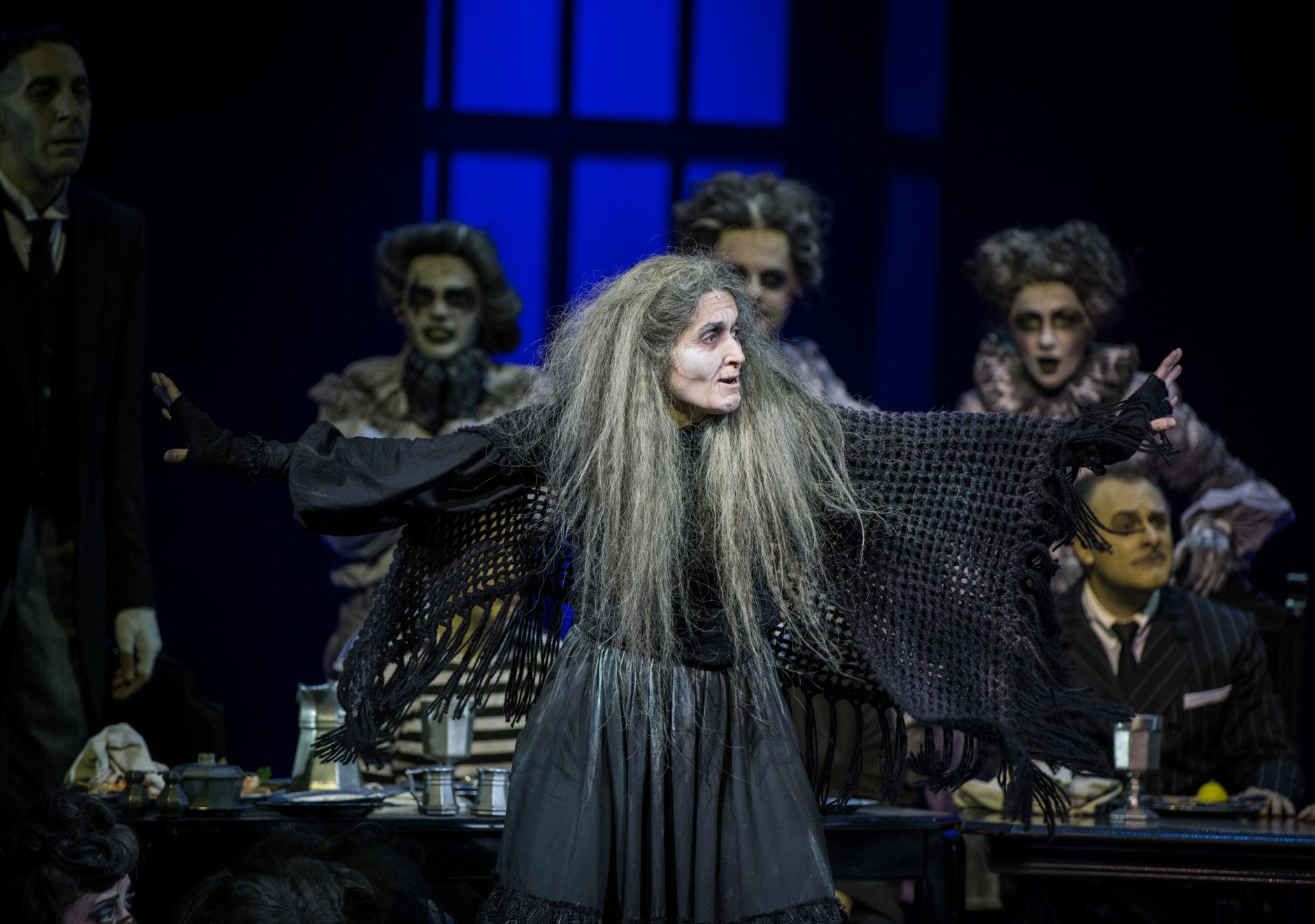 La Familia Addams, una comedia musical 10
